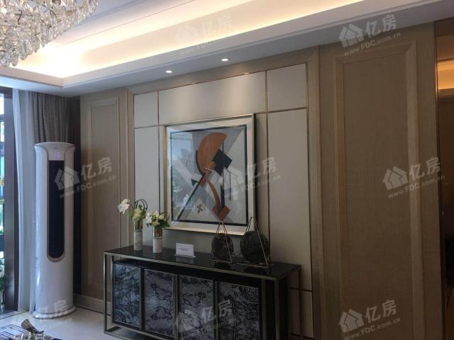 客厅电视剧背景墙跟样板间一样,带软包和边框,为交付标准!