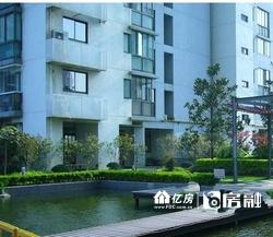 武汉硚口凯德广场旁  可居家可办公 民水民电  上下两层复试 看房方便 !