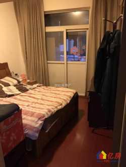 2房中等装修,阔绰客厅,超大阳台,身份象征,价格堪比毛坯房