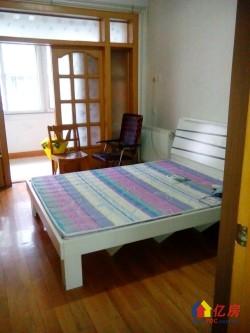 地震局小区精装 3室2厅2卫出售