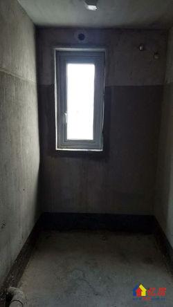 世纪江尚实用三房。全南户型,阳光充足,看房有钥匙