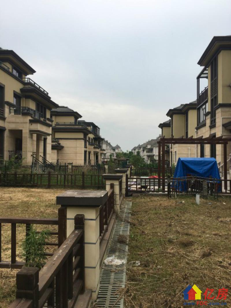 五期别墅 地上四层 送车库地下室 露台 花园 一应仅有,武汉蔡甸区中法