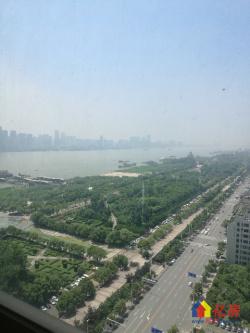 面对长江豪宅,天地三期,复式楼