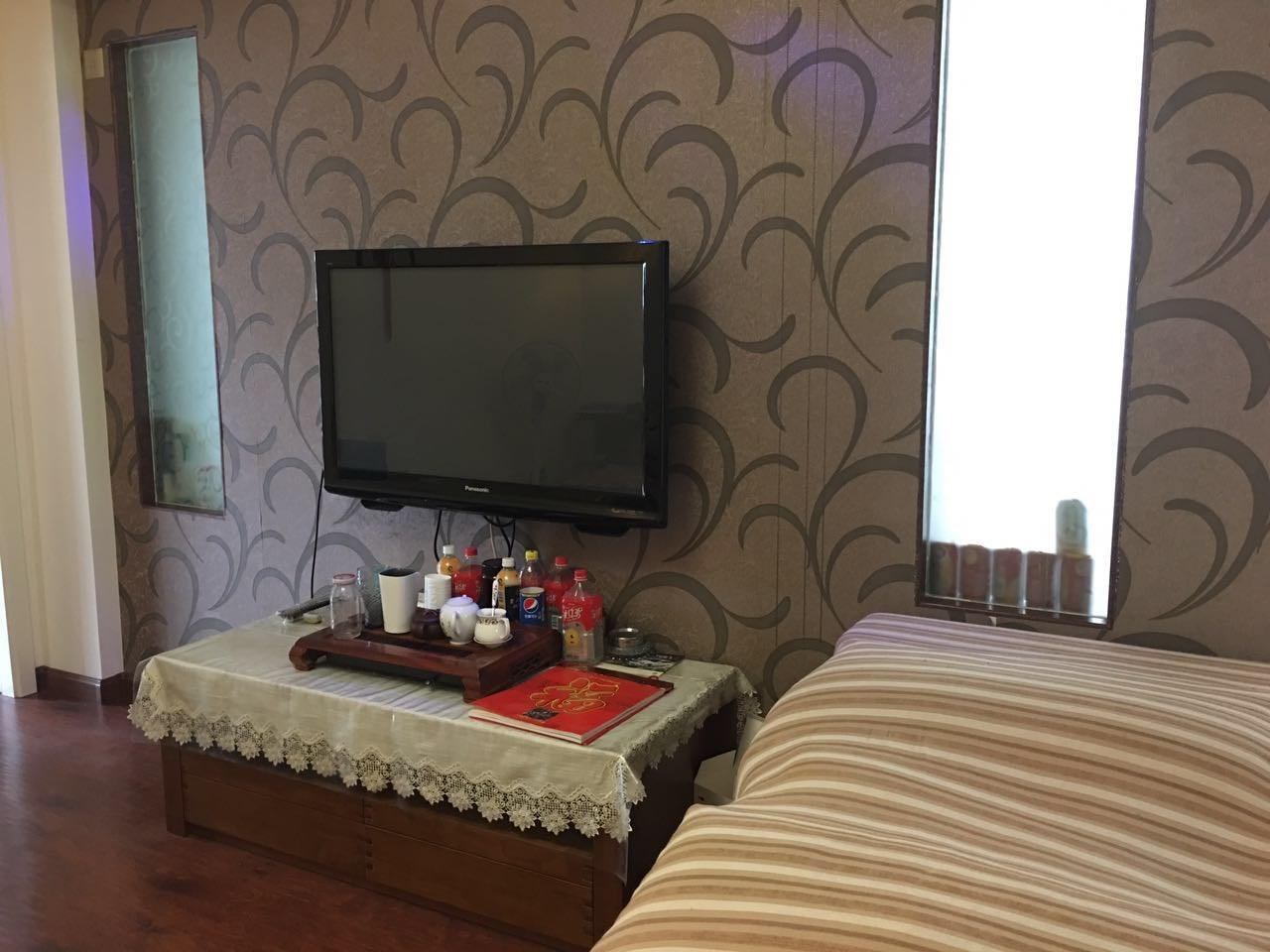 江汉区 红旗渠 红旗公寓 3室1厅1卫 83㎡