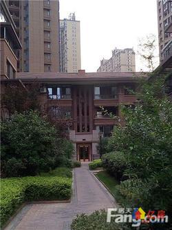大华南湖公园世家精装修小两房诚售,两证两年,业主诚售