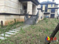 世茂龙湾五期185平边套别墅70年产权 送地下室和超大花园 送车库车位