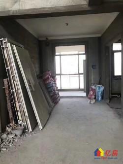 新地东方明珠 三层 电梯复式  毛坯老证  送大露台南北通透