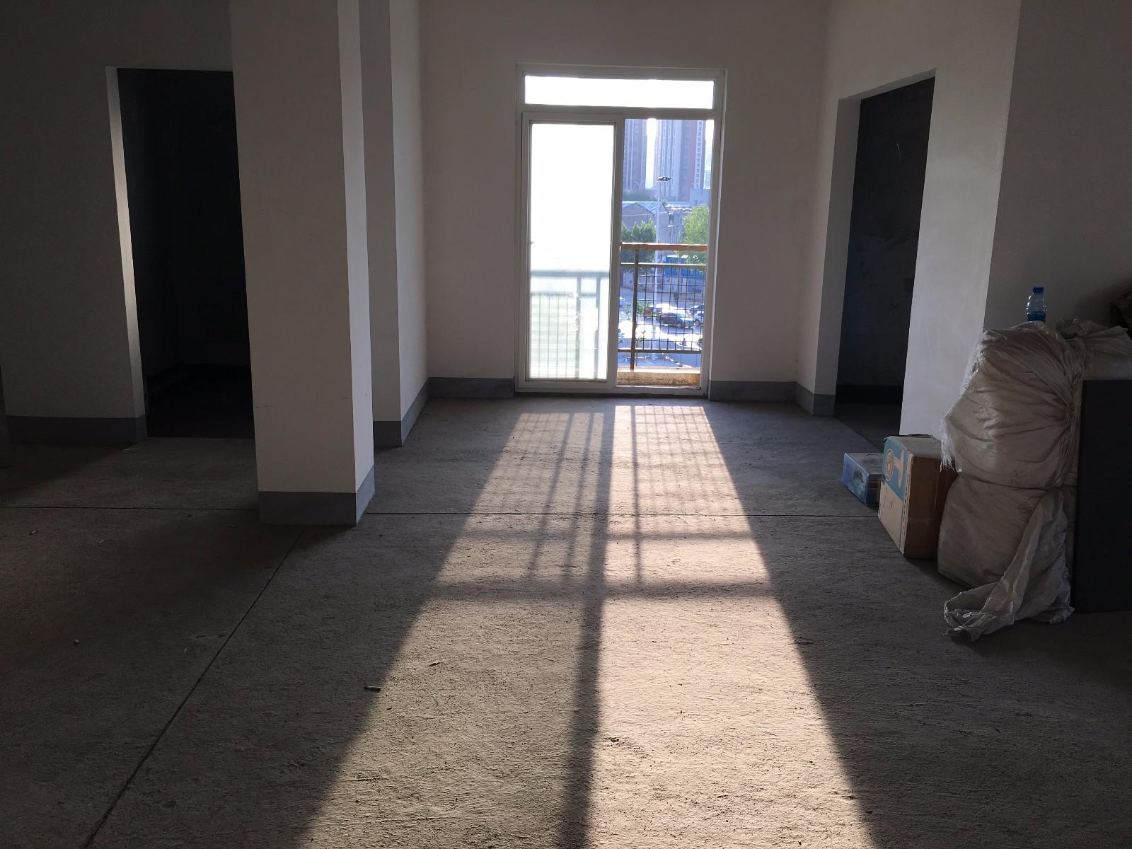 地铁6号线口好小区中间楼层毛坯次新房便宜出售
