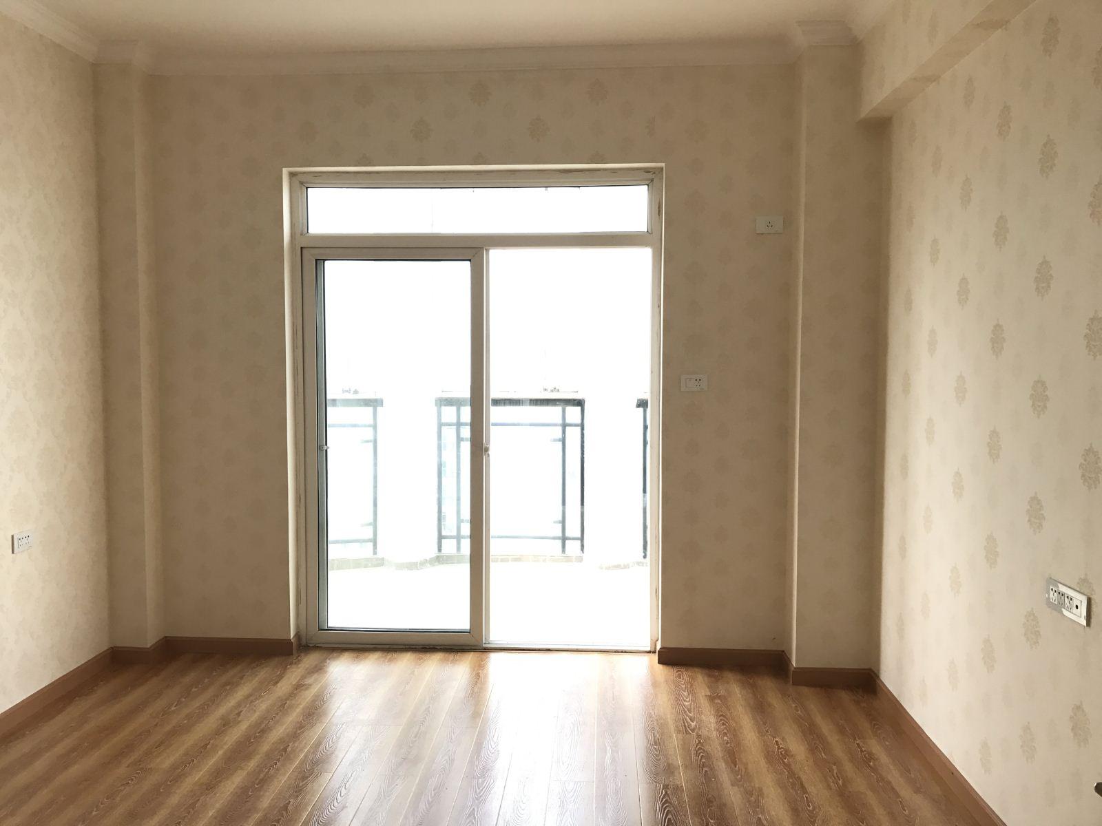 汉口花园四期 精装3房 拎包入住 老证 诚心卖 有钥匙