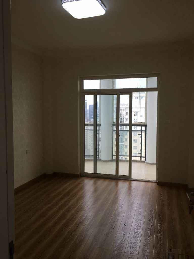 汉口花园四期 电梯房、精装未住、老证