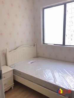 宝利金国际广场一期,两室一厅,105万