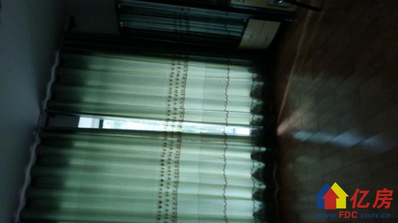 东西湖区 金银湖 银湖翡翠 2室2厅1卫  97㎡精装一楼带花园送车位,武汉东西湖区金银湖东西湖区金山大道88号(银桥南侧)二手房2室 - 亿房网