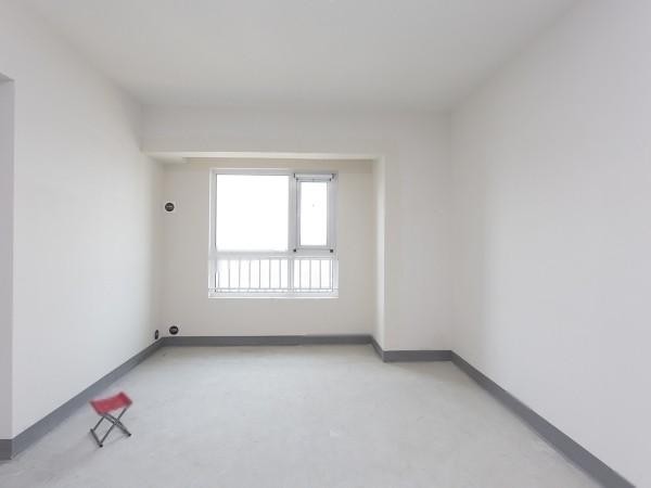 美林青城 品牌学区房 南北双阳台 户型方正 采光好 拎包入 随时看房 出行方便 随时看房