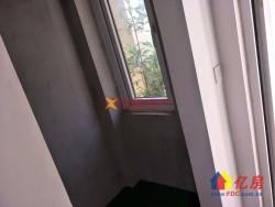 世茂龙湾二期的小别墅户型带地下室地上三层带花园和地下室房子可扩建到4房加阳光房,利用面积超大。而且不限购大品牌有保证。
