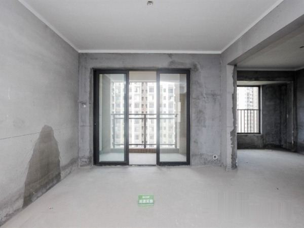 广电兰亭时代新出来,三房两厅两卫两阳台,还有曾送的面积哦