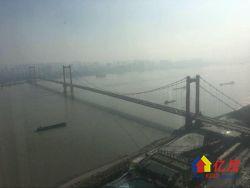世茂 超一线江景 顶层复式 带车位加送露天洗浴阳台 俯视长江