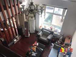 与万科为邻 水木清华 精装大复式 使用面积200平 客厅挑空大气 不是别墅胜似别墅 送大露台