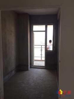 武泰闸检察院宿舍,毛坯三房,南北通透,两证在手,看房随时,有钥匙!