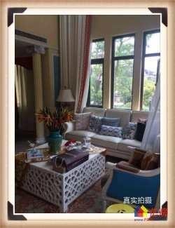 低于市价50万  世茂龙湾六期豪华装修别墅  拎包入住  上下四层  送私家大花园