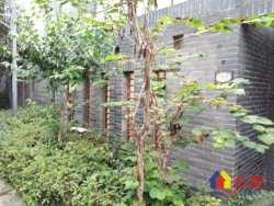 千年美丽 毛坯联排别墅 花园很大 证满税少 欢迎来电预约看房