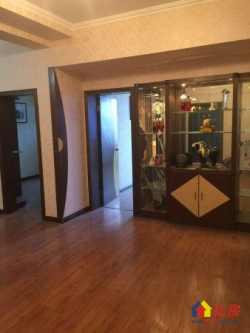 高雄路 湖光公寓 品字型看房两房 老证 全亮 厅和卫生间都窗