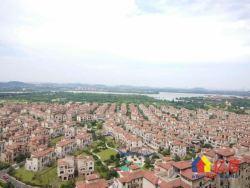 碧桂园生态城依云 175万 3室2厅2卫 精装修超好的地段,
