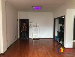 百步亭小香港   绝版两房   两个房都可以放1.8米的大床  住的才舒服啊