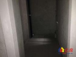 上海公馆 双地铁口 纯毛坯电梯四房 随时看房 有钥匙 急售