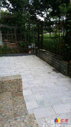 东西湖区 金银湖 碧海花园 2室2厅1卫  91㎡精装一楼带花园两房出售!