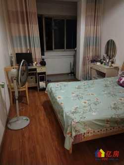 江岸区 台北香港路 熊家台小区 ,送楼顶一室一厅,每月租850