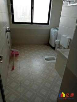 124街 复式楼 室2厅2卫 103平 205万 精装2年
