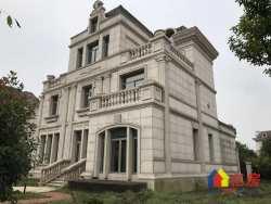 此房只应天上有  人间难得几回寻  世茂龙湾独栋大别墅  户型大气  带800平私家大花园