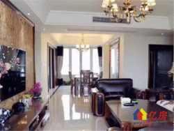 售楼部直售 武汉江山156平豪装瞰江大三房 双阳台大卧室