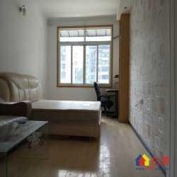 湖边坊,精装修小户型,一室一厅,图片真实,可以直接入住