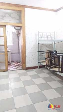小东门 舒家街二药厂宿舍 4室1厅  南北通透 低楼层 诚心出售 可随时看房