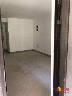 百步亭金桥汇二期房东诚心出售好房,户型朝向好。看房随时可看。