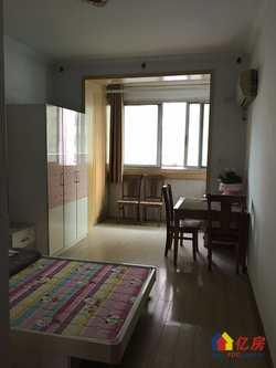 青山区工业四路绿苑小区朝南两房出售。