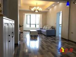 江山如画2期  全新精装3房  一线看江  送全套家具 老证 随时看房