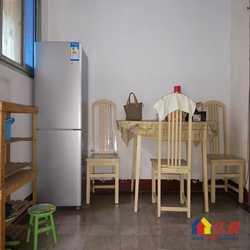 育才社区,低层品型二室一厅,二房朝南,干净整洁,可以直接入住
