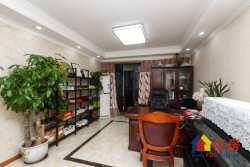 积玉桥绿地国际金融城 3室2厅2卫  114㎡房型通透  诚心出售