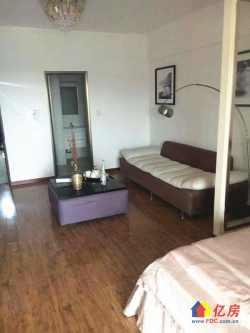 武汉客厅四季卓尔公寓 地铁口小两室 可投咨可自用 性价比高
