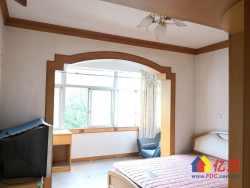 武东陆鹞小区,正规两房,通透性好,房东稳定出售