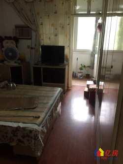 青山区 红钢城 107街坊 2室1厅1卫  70㎡