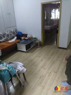 青山区 红钢城 24街坊 2室2厅1卫  83㎡