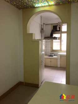 香港路地铁口惠西小区  通透两房 便宜出售 有钥匙