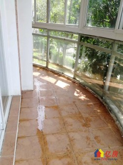 金银湖 奥林匹克花园 三房两厅两卫 精装修中间楼层 五个阳台