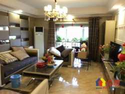 津发小区四室二厅神房  豪华装修楼仼位置 低于市 价 急售