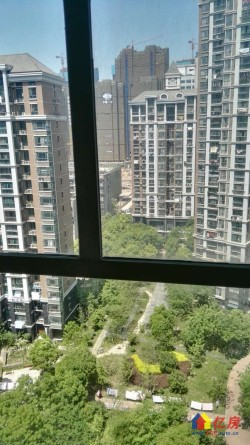 青山区 红钢城 杨春湖景苑 3室2厅2卫  105㎡
