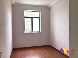 121街3房中间楼层精装修拎包入住