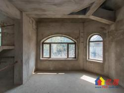 武汉长岛,独栋别墅,带200平米院子业主诚意出售!